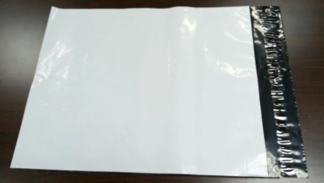 Waterproof Poly Mailer Bags With High Sability Strong Self Adhesive Tape